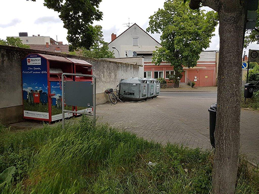 Müllcontainer am Zedtwitzplatz.